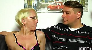German milf take dicks in threesome